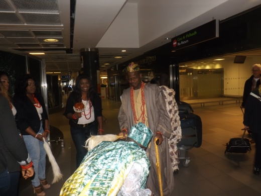 OASI member paying homage to the Oba